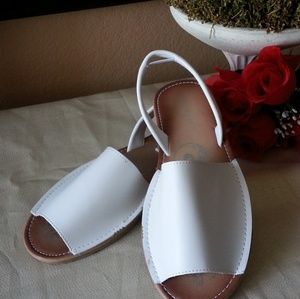BAMBOO SLING BACK WHITE SANDALS SIZE 9